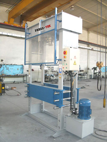 Hydraulic workshop press with Mesh guarding